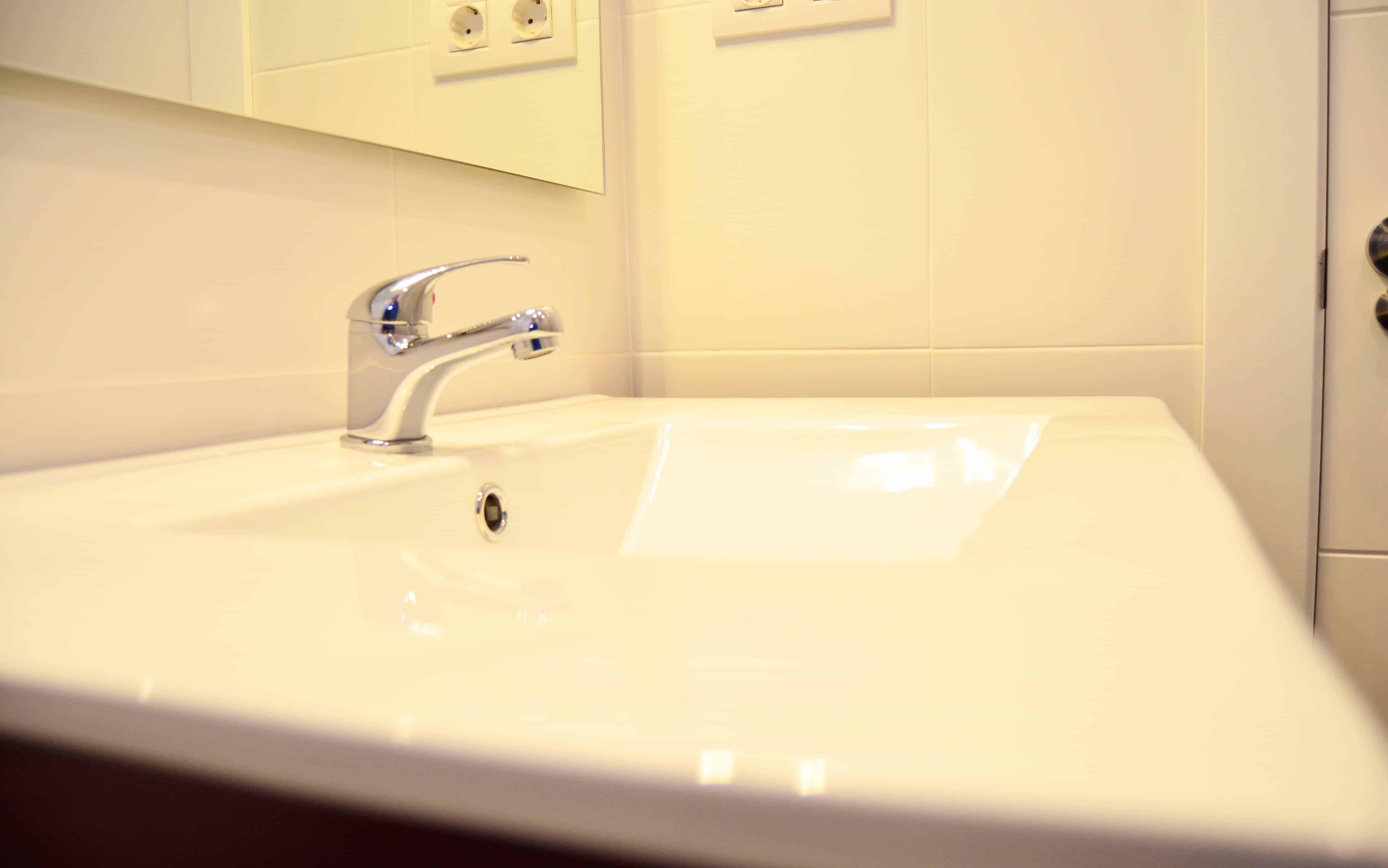 Grifo baño reforma Colom