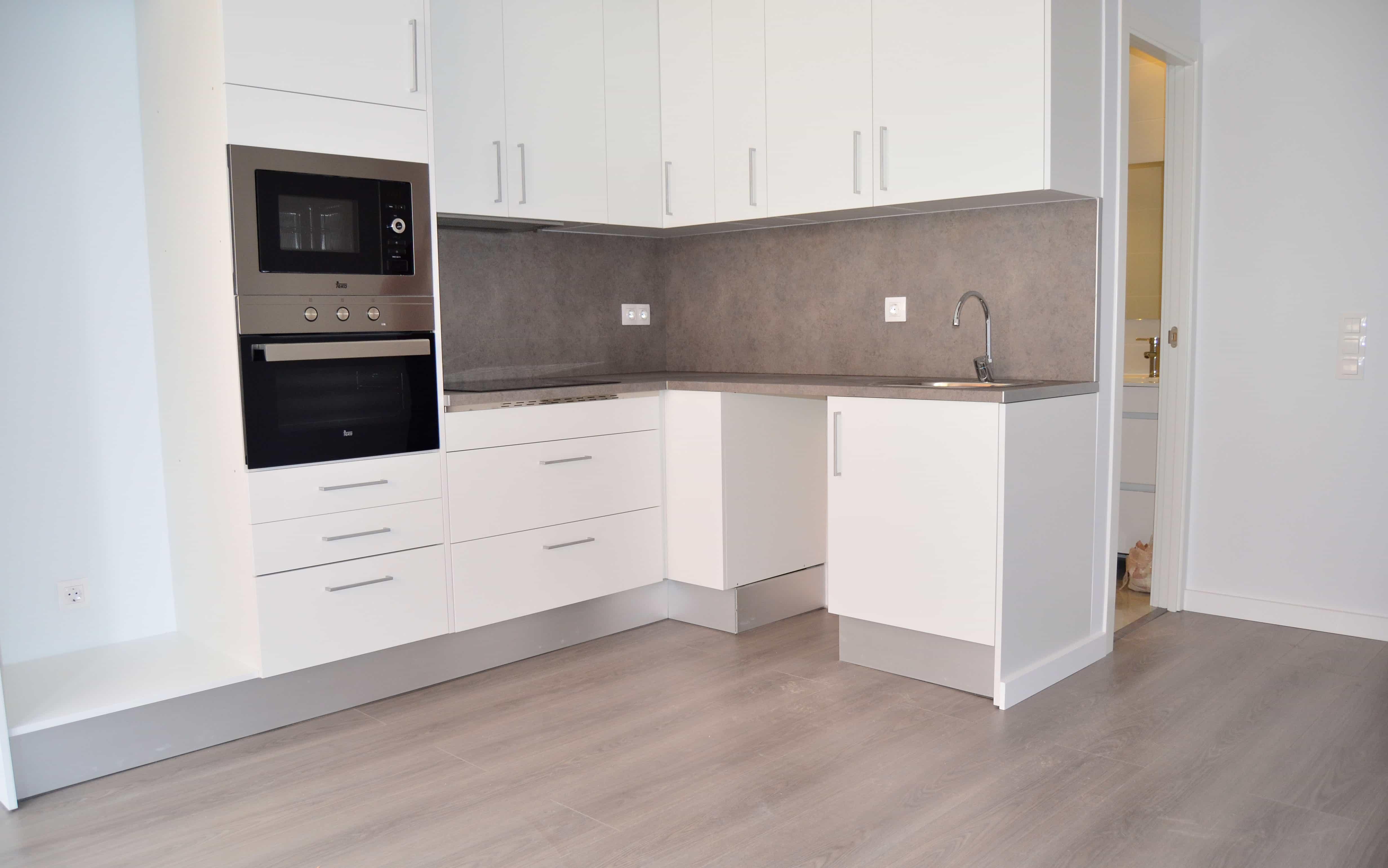 Cocina abierta piso Gifré Contract Solutions
