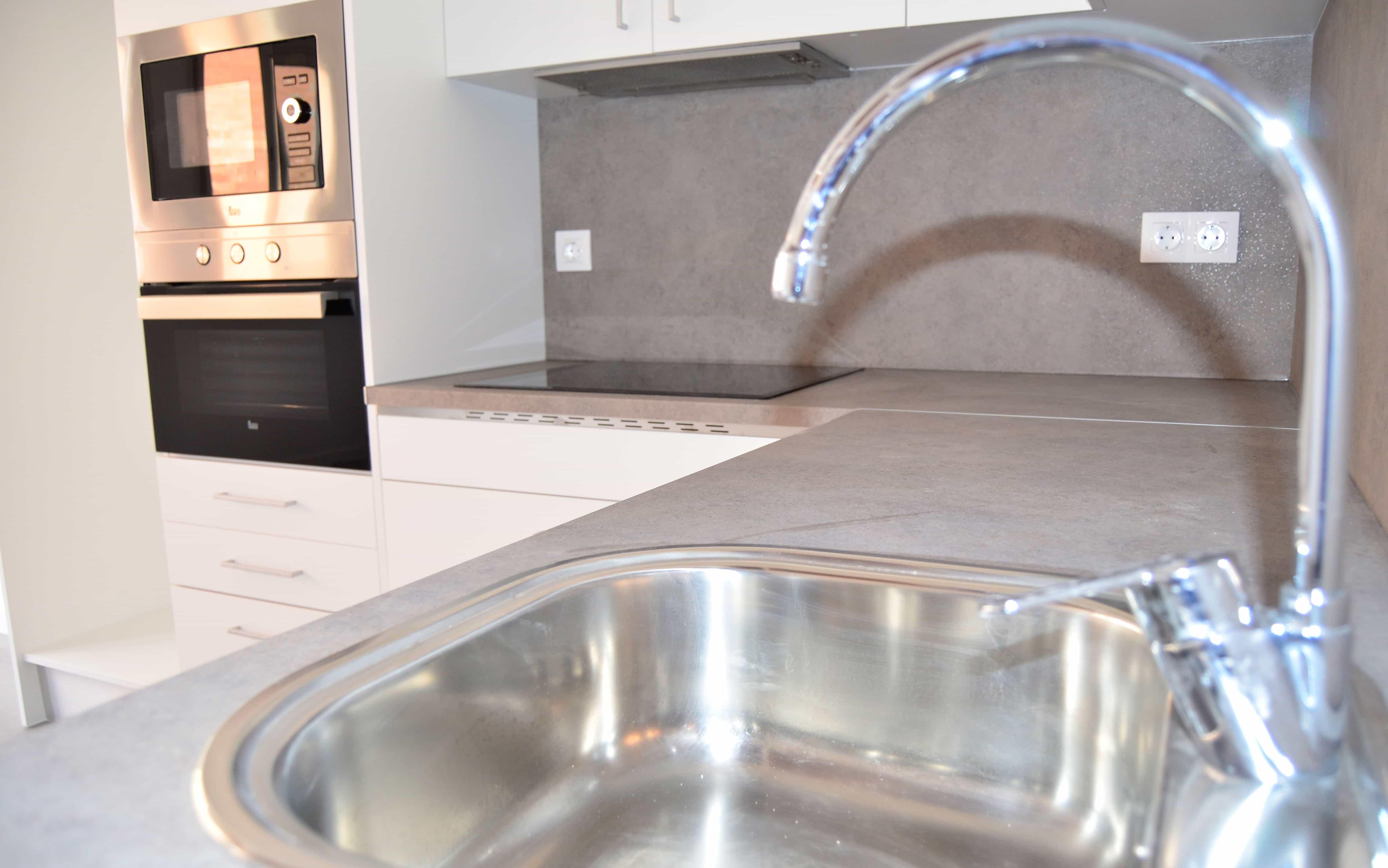 Grifo cocina piso Gifré Contract Solutions