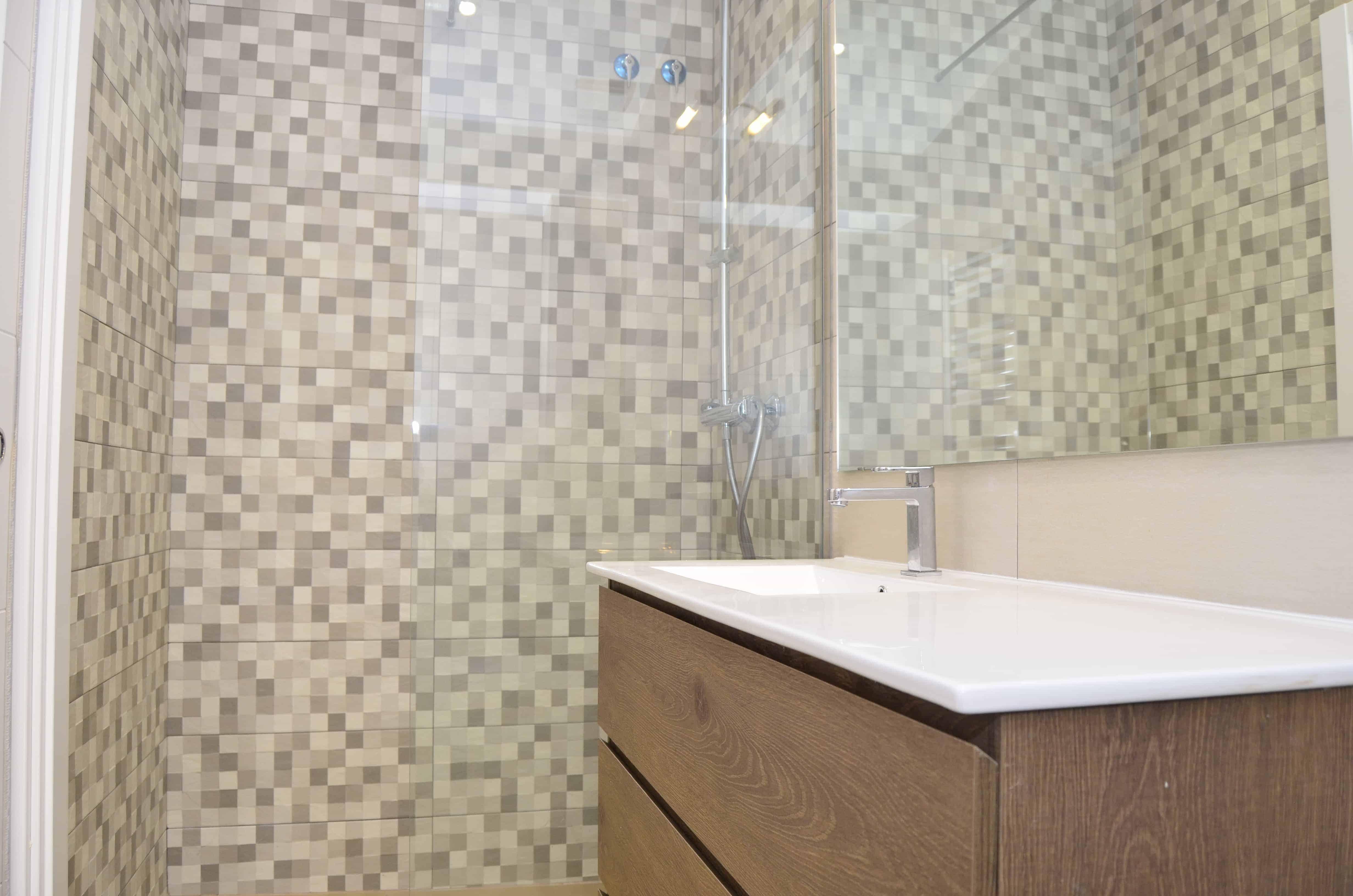 alicatado baño y mueble