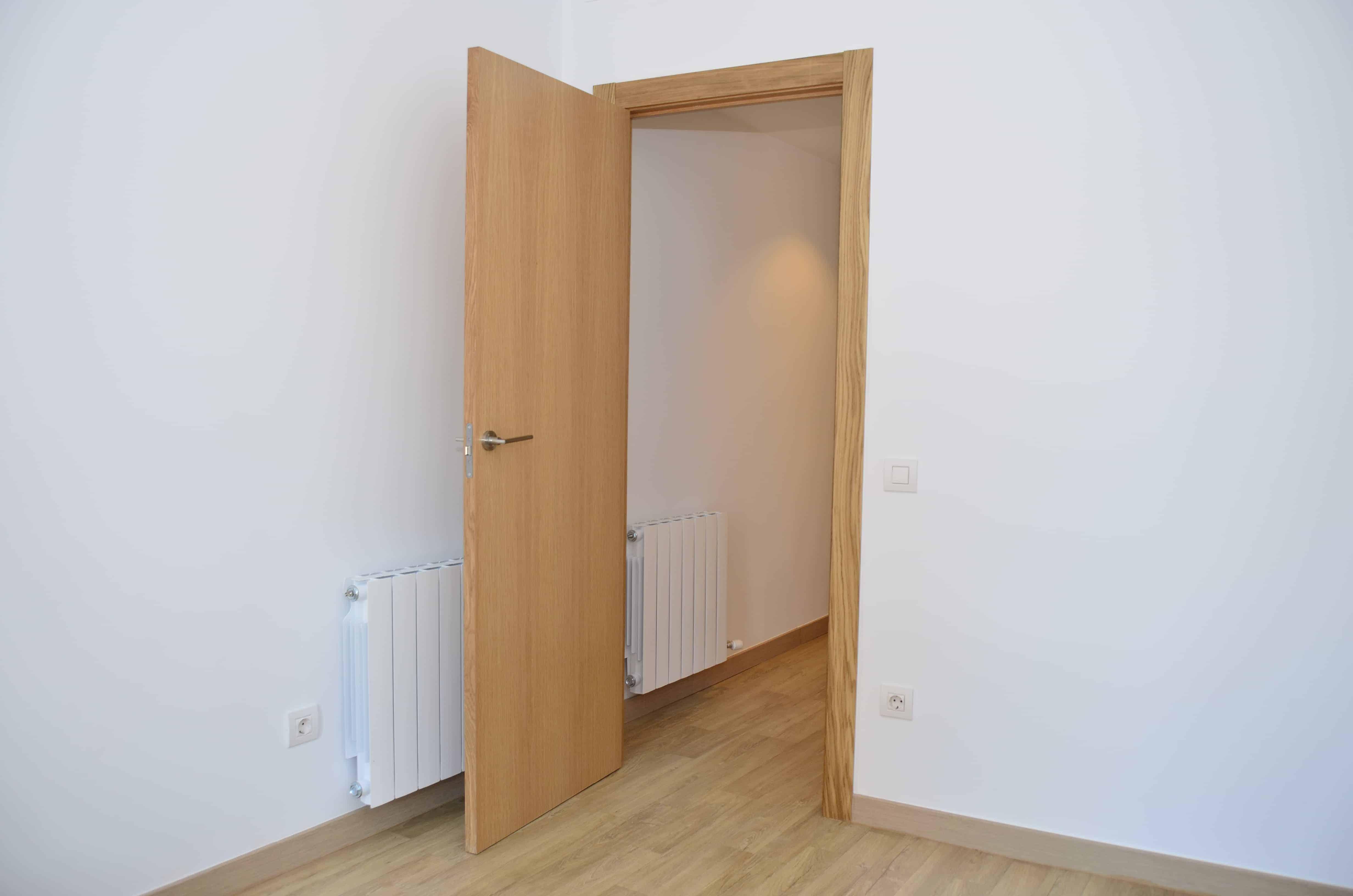detalle puerta guifré contract solutions