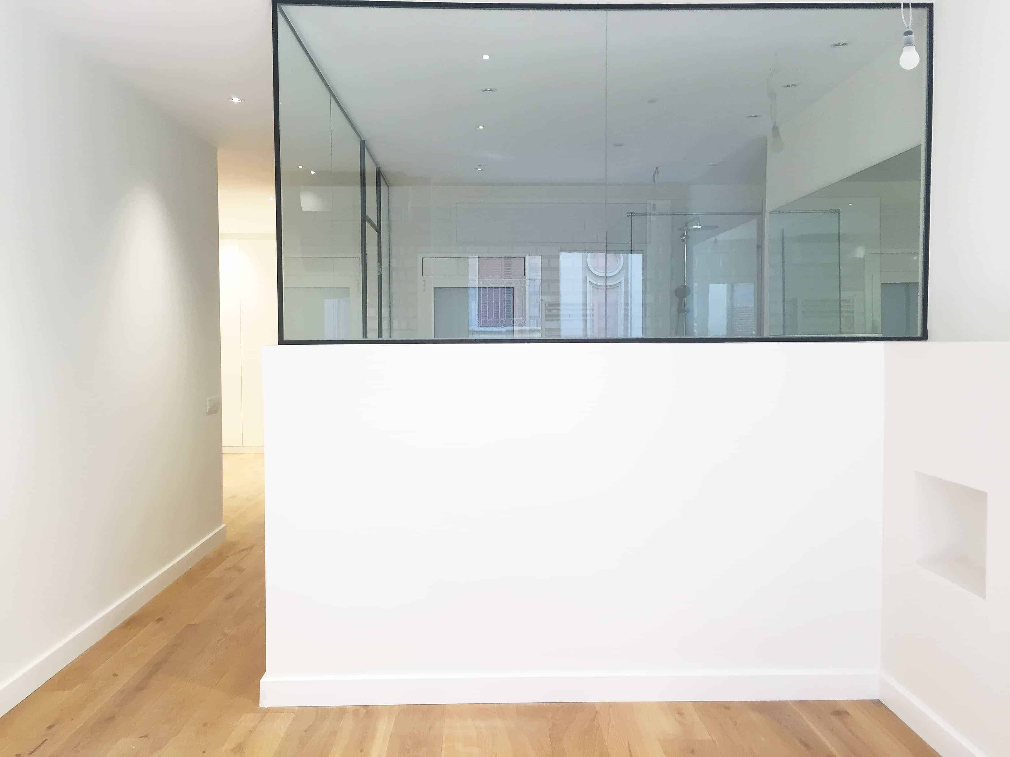puerta transparente bano rector ubach contract solutions