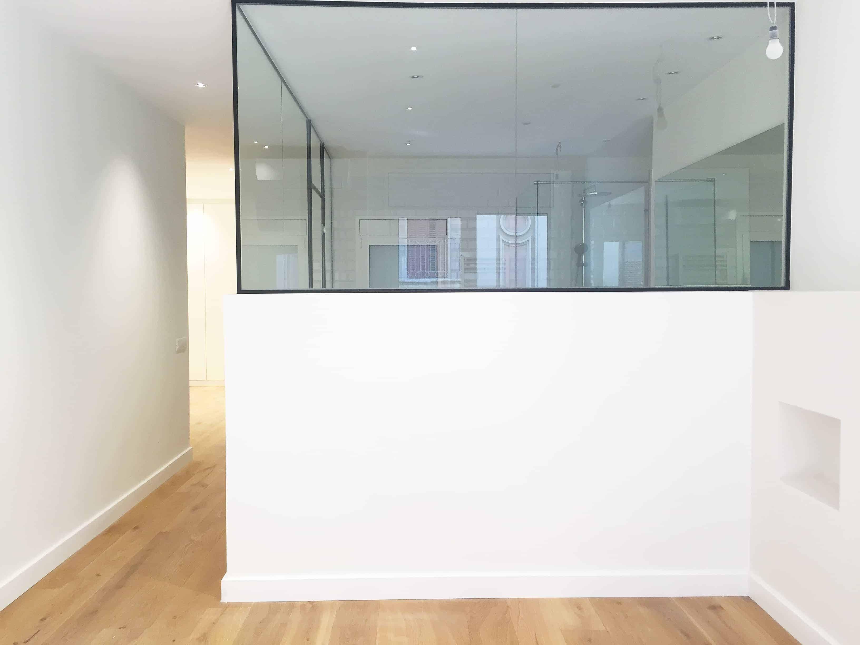 puerta transparente bano rector ubach contract solutions