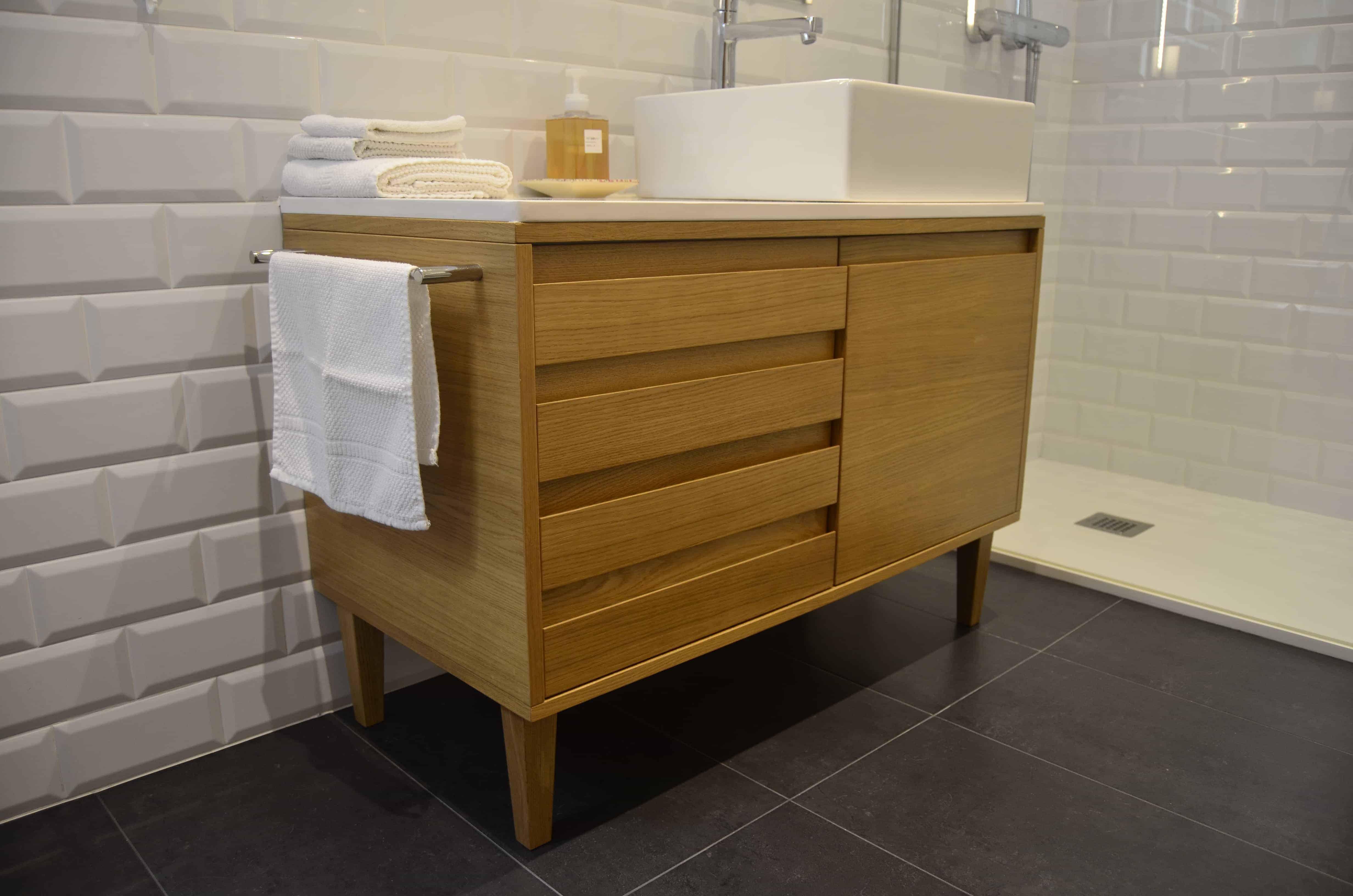 mueble de baño de madera contract solutions